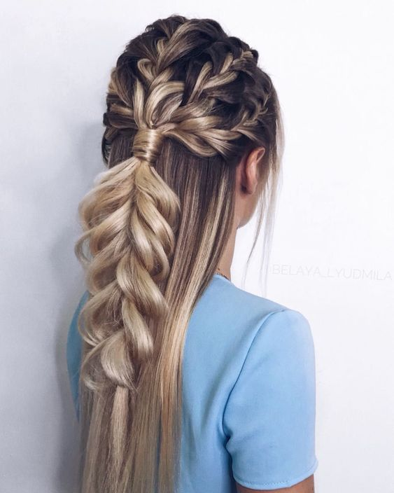 Blond włosy z warkoczem