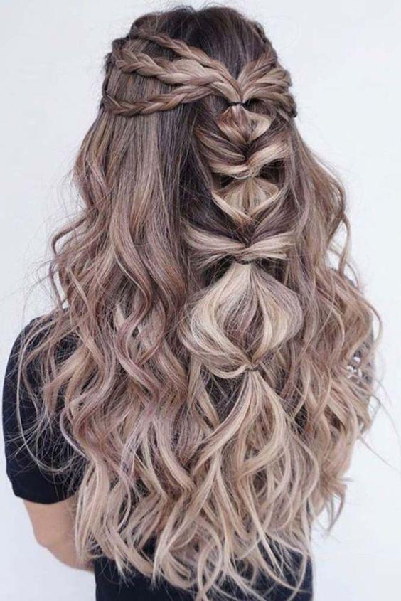 Długie blond włosy z warkoczem
