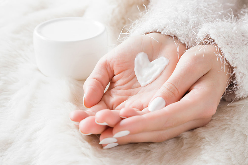 Domowe maseczki na dłonie i paznokcie