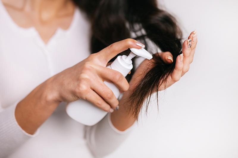 Pielęgnacja włosów farbowanych – o czym warto pamiętać?